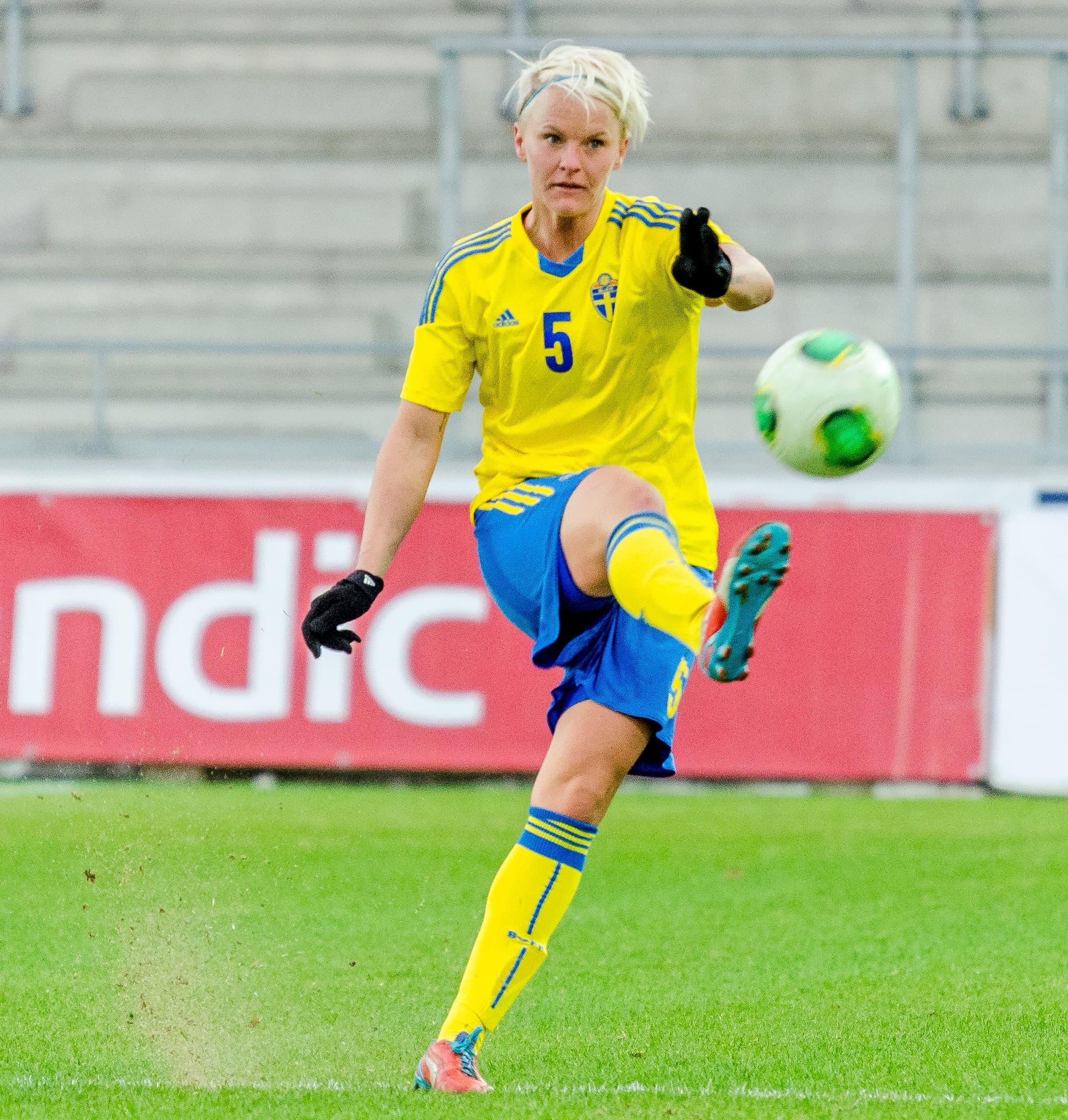 Sverige - Island 2-0, Träningslandskamp Fotboll Dam